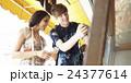 外国人 カップル 観光客の写真 24377614