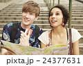 外国人 カップル 観光客の写真 24377631