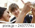 外国人 カップル 観光客の写真 24377741