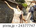 外国人 カップル 旅行者の写真 24377747