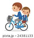 自転車に二人乗りをする男女学生 24381133