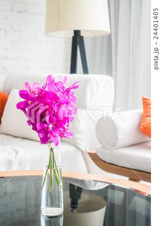Vase flowerの写真素材 [24401405] - PIXTA