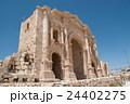 ジェラシュ遺跡 凱旋門 バトリアヌス皇帝 24402275