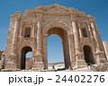 ジェラシュ遺跡 凱旋門 バトリアヌス皇帝 24402276