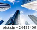 高層ビル 新宿 オフィスの写真 24455406