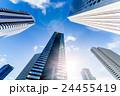 高層ビル 新宿 オフィスの写真 24455419