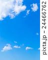 雲 綿雲 積雲 高積雲 青い空 白い雲 真夏の空 背景用素材 クラウド 青空 合成用背景 24466762