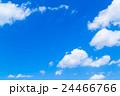 雲 綿雲 積雲 高積雲 青い空 白い雲 真夏の空 背景用素材 クラウド 青空 合成用背景 24466766