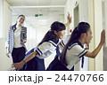 女子中学生 休み時間 24470766