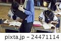 教師 女子中学生 学生の写真 24471114