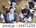 教師 女子中学生 生徒の写真 24471238