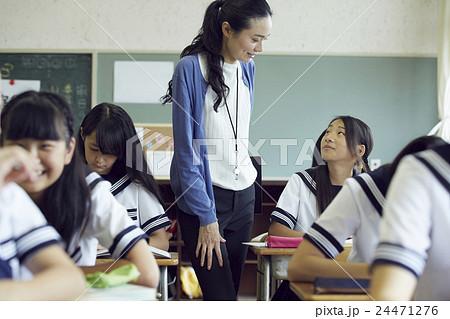 学校 授業風景 中高生イメージ 24471276