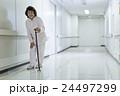 若い介護士 24497299