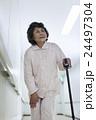 若い介護士 24497304