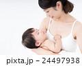 母子 赤ちゃん 母親の写真 24497938