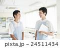 若い介護士 24511434