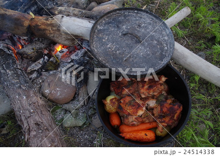 ダッチオーブン 鶏 24514338