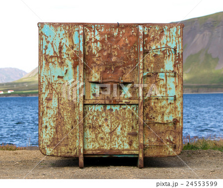 Old and abandoned containerの写真素材 [24553599] - PIXTA