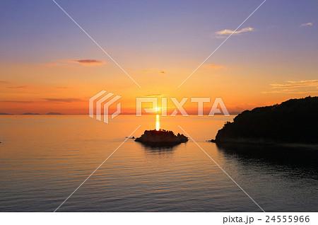 浦島伝説の地、三豊市荘内半島「鴨ノ越」の夕暮れ 24555966