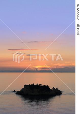 浦島伝説の地、三豊市荘内半島「鴨ノ越」の夕暮れ 24555970