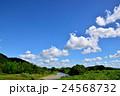 秋を迎えつつある夏の空のイメージ 24568732