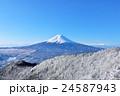 冬の富士山と樹氷風景 24587943
