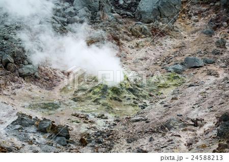 那須岳 茶臼岳噴気孔 24588213
