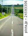 美瑛 道路 まっすぐの写真 24593306
