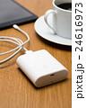 モバイルバッテリーとタブレット 24616973