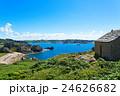 ブルターニュの観光地プリメル・トレガステルの監視小屋より港町を望む 24626682