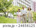 介護士 夫婦 シニアの写真 24656125