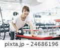 フィットネスジム トレーニング 女性の写真 24686196