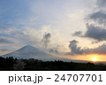 富士山 太陽 日の出の写真 24707701