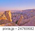 奇岩と気球 24760682