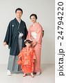 七五三 家族 人物の写真 24794220