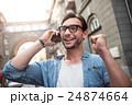 男 フォン 電話の写真 24874664