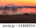 朝靄 朝焼け 筑波山の写真 24888054
