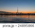 夕焼けに佇む東京スカイツリー 荒川河川敷から 24895866