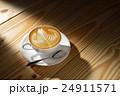 コップ カフェ・ラッテ 美術の写真 24911571