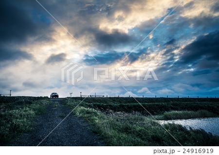 車と風景 24916919
