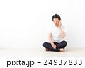 電話するミドル男性 24937833