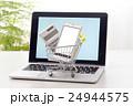 パソコンとショッピングカート 24944575