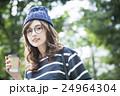 若い女性 24964304