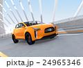 アーチ橋に走行する黄色の電気自動車SUV 24965346