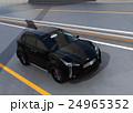 アーチ橋に走行するブラックの電気自動車SUV 24965352