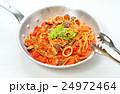 注意)湯気はレタッチ合成です。ペスカトーレ(イタリアン料理/魚介トマトソースパスタ)。 24972464