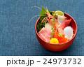海鮮丼イメージ(ボタン海老、マグロ大トロ、赤身、ハマチ、イカ、イクラ、帆立) 24973732