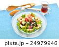 海藻サラダ(生ワカメ、ボイル海老他)、醤油ドレッシングを添えて。 24979946
