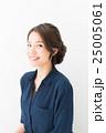 ファッション 女性 アップスタイルの写真 25005061