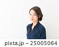 ファッション 女性 アップスタイルの写真 25005064